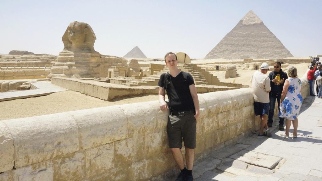 Sphinx und Pyramide mit Andy